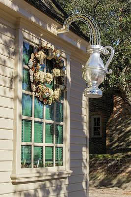 Flower Pint Photograph - Chownings Wreath 05 by Teresa Mucha