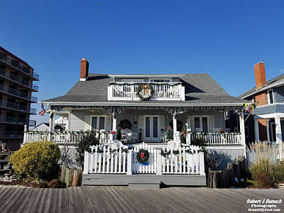 Photograph - Christmas At The Inn On The Ocean by Robert Banach