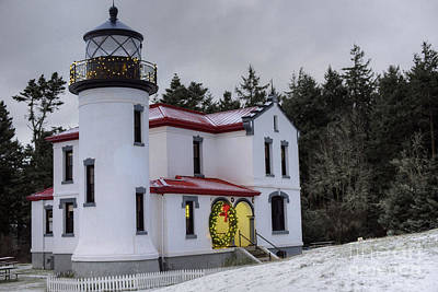 Whidbey Island Wa Photograph - Christmas At The Lighthouse by Kyla Applegate