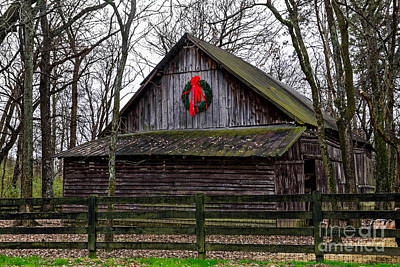 Photograph - Christmas Barn by Paul Mashburn