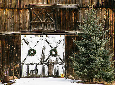 Photograph - Christmas Barn by Tracy Winter