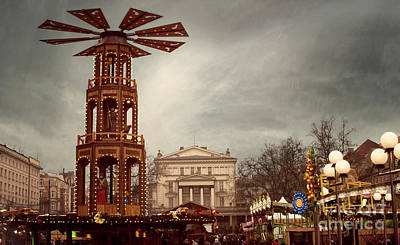 Photograph - Christmas Carousel Pyramid by Juli Scalzi