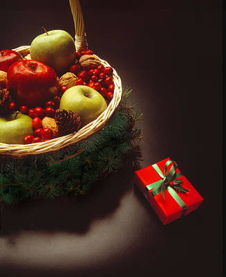 Photograph - Christmas Gift And Fruit Basket by Utah Images