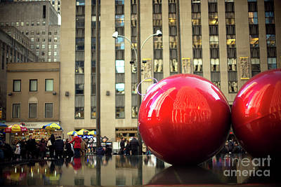 Photograph - Christmas In The City by John Rizzuto