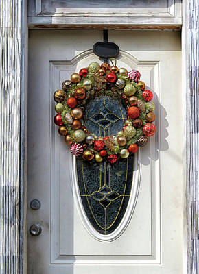 Photograph - Christmas Ornament Wreath by Dave Mills