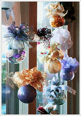 Photograph - Christmas Ornaments by Ellen Barron O'Reilly