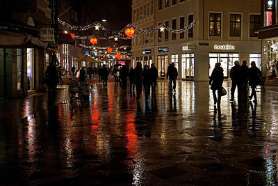 Photograph - Christmas Shopping by Inge Riis McDonald