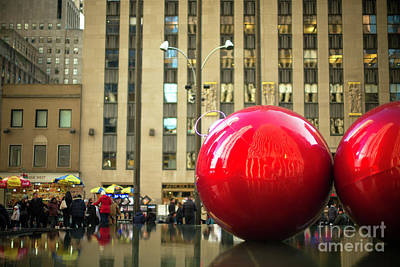 Photograph - Christmas Spirit In New York City by John Rizzuto