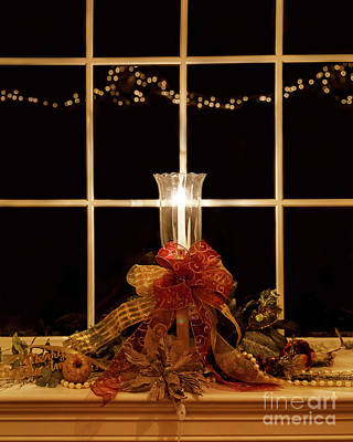 Photograph - Christmas Window by Dennis Hedberg