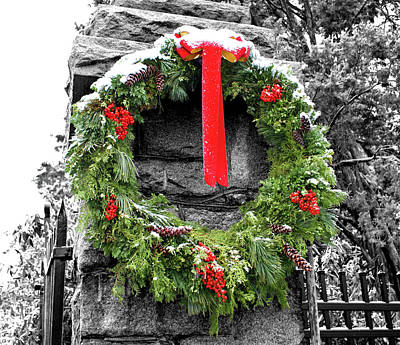 Photograph - Christmas Wreath by Jean Haynes