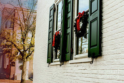 Photograph - Christmas Wreaths In West Chester by Sandy Moulder