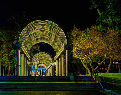 Photograph - Christopher Columbus Park 3764 by Jeff Stallard