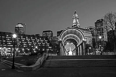 Photograph - Christopher Columbus Park Boston Ma Trellis Custom House Black And White by Toby McGuire
