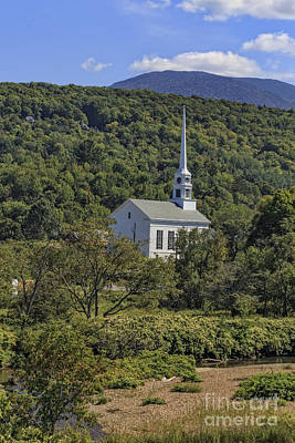 New England Village Photograph - Church In Stowe Vermont by Edward Fielding