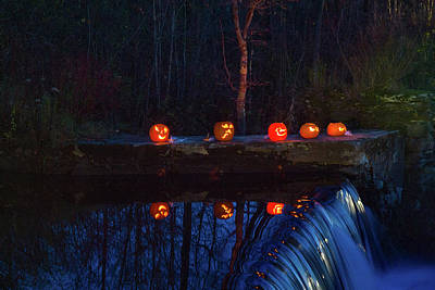 Photograph - Cillyhill Pumpkin Glow Reflection by Jeff Folger