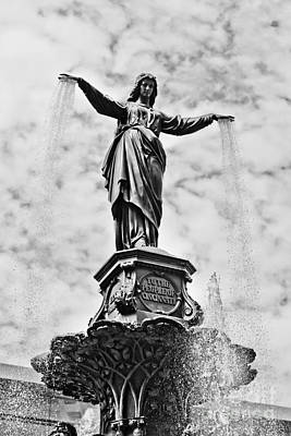 Cincinnati Fountain Tyler Davidson Genius Of Water Statue Art Print