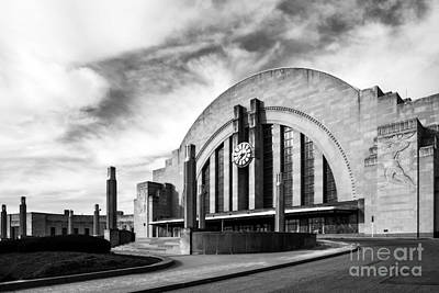 Cincinnati Landmark Photograph - Cincinnati Museum Center Bw by Mel Steinhauer