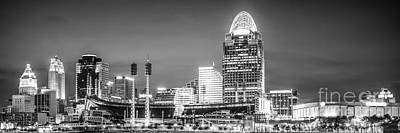 Pnc Photograph - Cincinnati Skyline Panorama Picture by Paul Velgos