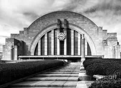 Cincinnati Landmark Photograph - Cincinnati Union Terminal Time Bw by Mel Steinhauer