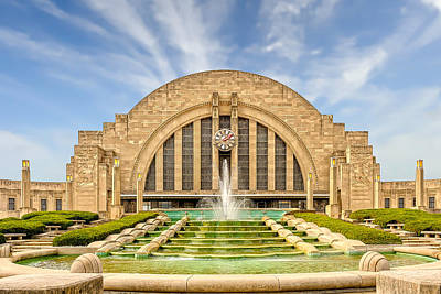 Photograph - Cincinnati Union Terminal Train Station And Museum  -  Cintrst200 by Frank J Benz