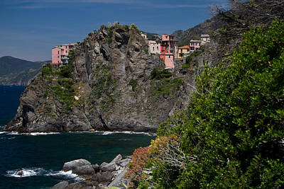 Photograph - Cinque Terre Coast by Roger Mullenhour