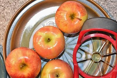 Circles 1 - Apples Print by Linda Brody