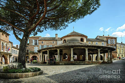 Photograph - Circular Grain Market In Auvillar by RicardMN Photography