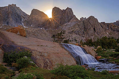 Photograph - Cirque Of The Towers. by Johnny Adolphson