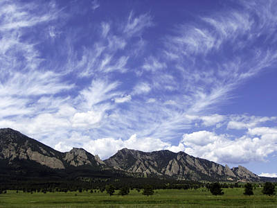 Photograph - Cirrus Clouds Over Flatirons 1 by Marilyn Hunt