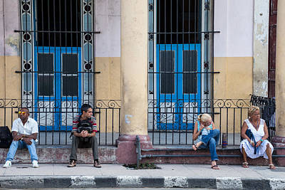 Photograph - Citizens Of Havana At A Bus Stop by Peter Bates