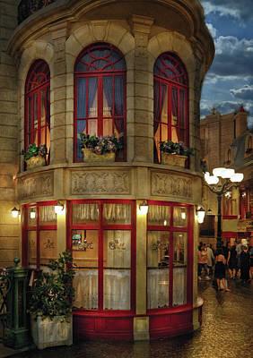 City - Vegas - Paris - Le Cafe Art Print