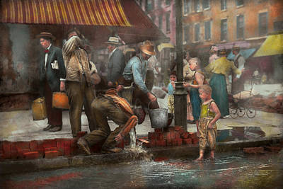 City - Ny - Drinking Water From A Street Pump 1910 Art Print