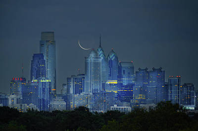 Photograph - Cityscape - Philadelphia Pennsylvania- Cresent Moon by Bill Cannon