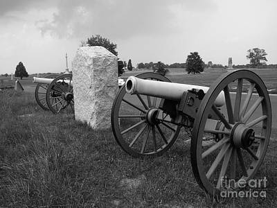 Photograph - Civil War Cannons by Raymond Earley