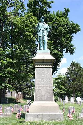 Photograph - Civil War Memorial To The Soldiers Of Sleepy Hollow  by John Telfer