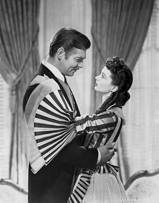 Wind Photograph - Clark Gable And Vivien Leigh by Underwood Archives