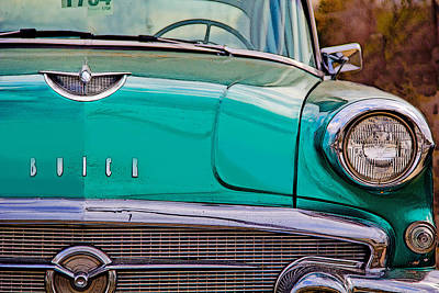 Photograph - Classic Buick by Mamie Thornbrue