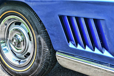 Photograph - Classic Corvette Mako Shark 1965 by Paul Ward