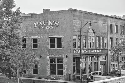 Photograph - Classic Tavern by Jimmy McDonald