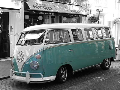 Photograph - Classic Vw Microbus by Richard Reeve