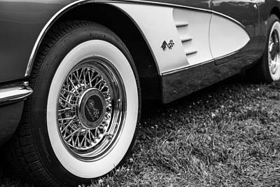 Goldie Photograph - Classy Vette by Karol Livote
