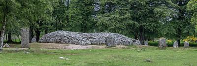 Photograph - Clava Cairn Stones 0770 by Teresa Wilson