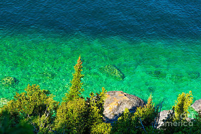 Photograph - Clear Waters Of Georgian Bay by Les Palenik