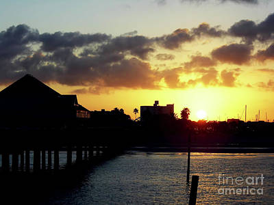 Photograph - Clearwater Beach Sunrise by D Hackett