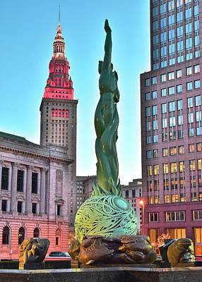 Photograph - Cleveland Statue Sunset by Frozen in Time Fine Art Photography