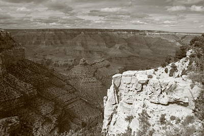 Photograph - Cliff Over The Canyon by Christopher Kirby