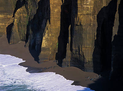 Photograph - Cliffs At Blacklock Point by Robert Potts