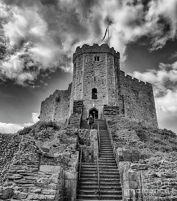 Photograph - Climb To The Keep by Jim Orr