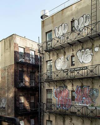 Photograph - Close Quarters by Alan Raasch