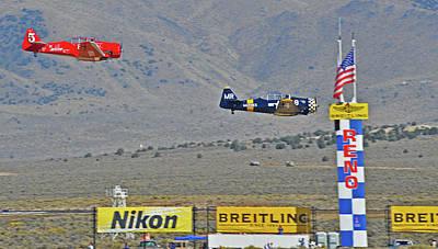 Close Race Original
